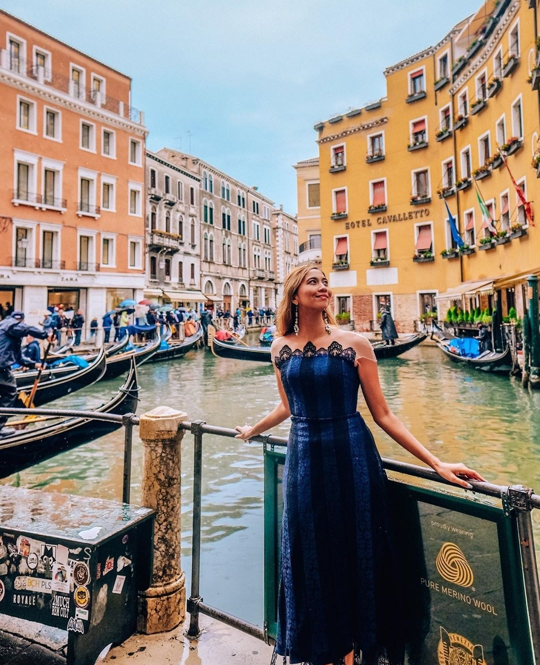 Europe Virtual Tour: Posing by the canals of Venice in Italy