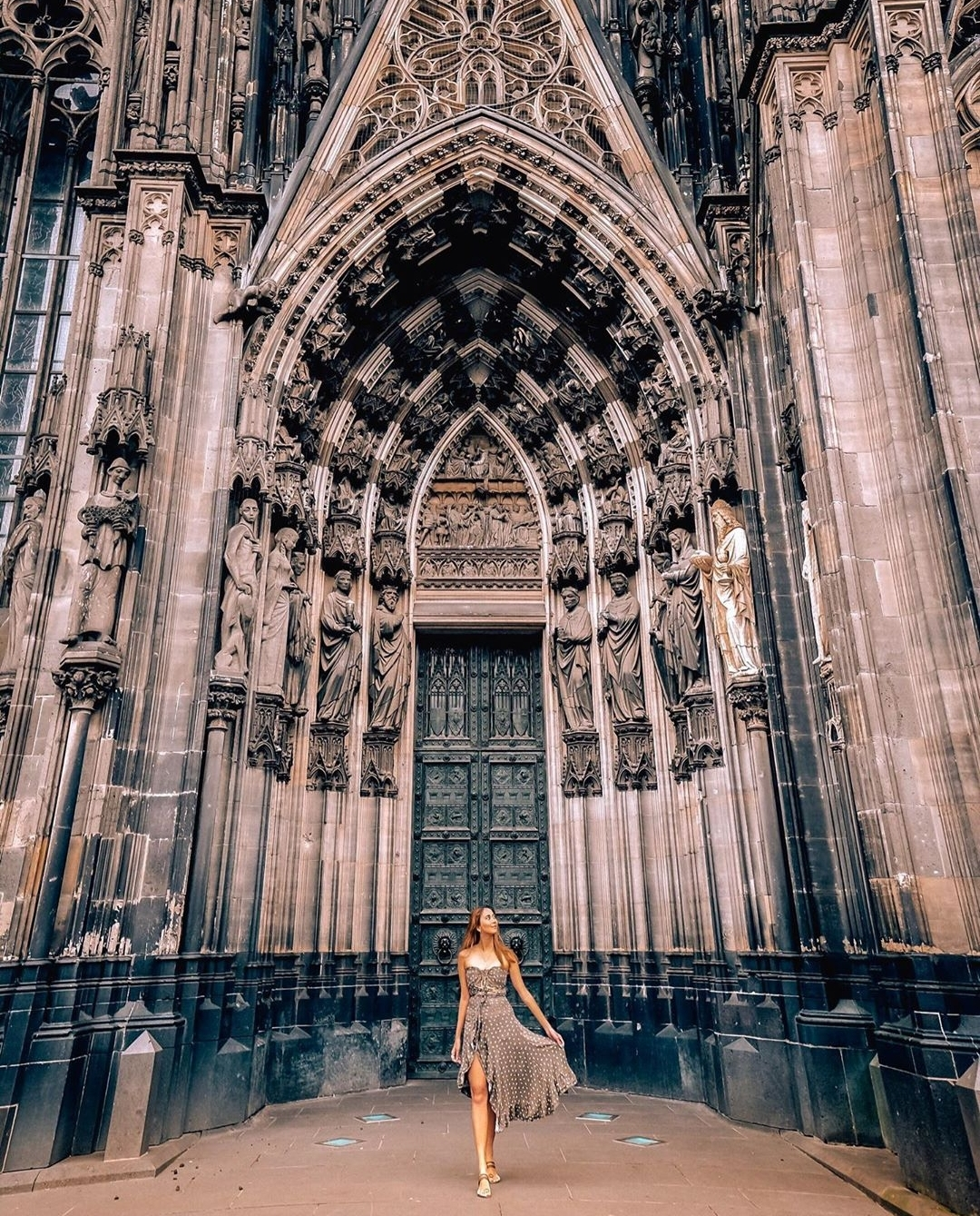 Europe Virtual Tour: Gothic Cathedral in Cologne, Germany